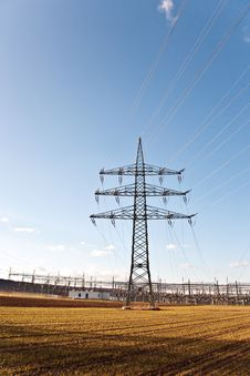 Free Electricity Tower For Energy Royalty Free Stock Images - 14181539