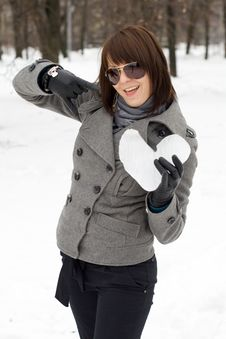 Free Girl Holding An Ice Heart Stock Photography - 14187262