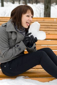 Free Girl Holding An Ice Heart Royalty Free Stock Photo - 14187305