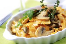Free Farfalle With Mushrooms Royalty Free Stock Photo - 14192385
