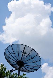 Free Satellite On The Sky Royalty Free Stock Photos - 14193928