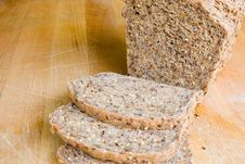 Free Whole Grain Bread Royalty Free Stock Photography - 1422907