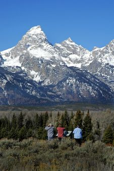 Free Teton Mountain With Tourists Looking Royalty Free Stock Image - 1426346