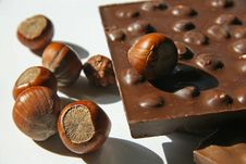 Free Chocolate And Nuts Royalty Free Stock Photography - 14201037