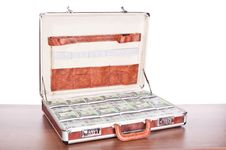 Free Briefcase Full Of Money Royalty Free Stock Photo - 14203075