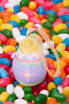 Free Easter Egg On Jellybeans Royalty Free Stock Images - 14205199