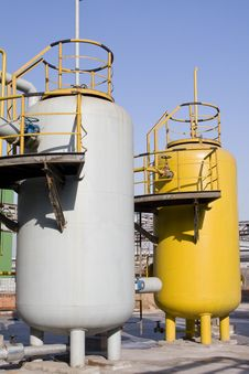 Free Gas Tanks Royalty Free Stock Photography - 14210647