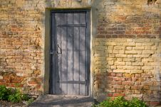 Free Door Closed On The Lock Royalty Free Stock Images - 14214019