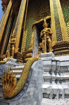 Free Giant In Wat Prakaew Royalty Free Stock Photography - 14214377
