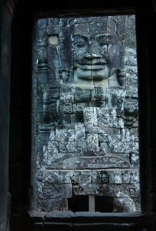 Free View Through Door Entrance To A Statue Of Bayon Royalty Free Stock Photography - 14216907