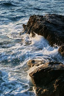 Free Waves Of The Sea Royalty Free Stock Photos - 14218298