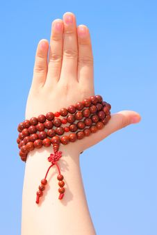 Free Prayer Beads In Her Hands Royalty Free Stock Photos - 14222048