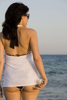 Free Woman Enjoys The Sea Royalty Free Stock Photography - 14231317