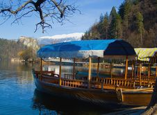 Free Alpine Lake With Rowing Boats Royalty Free Stock Images - 14234659
