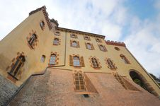 Free Castle Di Barolo Royalty Free Stock Photo - 14236605