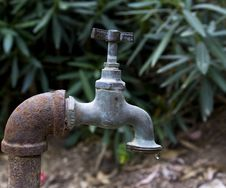 Free Rusty Water Tap Royalty Free Stock Photography - 14237117