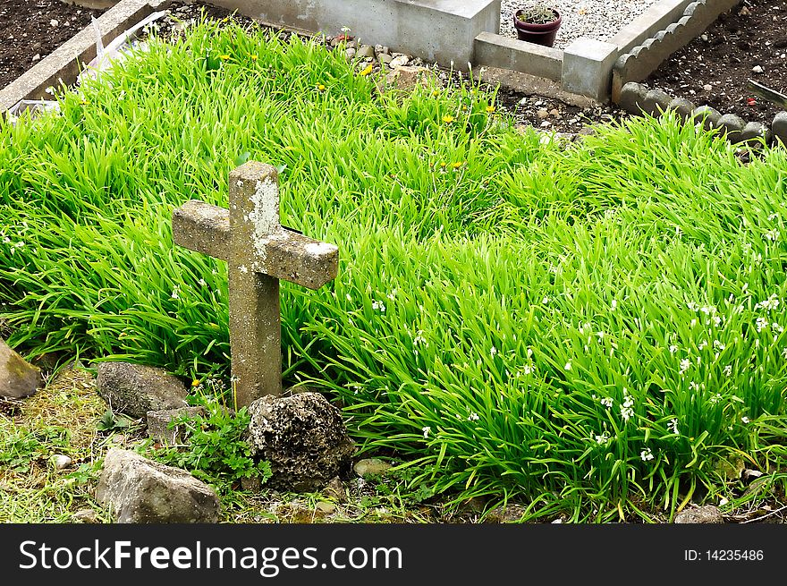 A cemetery cross