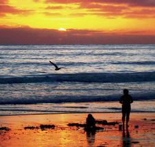 Free Sunsets Farewell Kiss To Summer, San Diego, California Stock Photography - 142358792