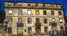 Free Baroque Building On The River Douro Portugal Royalty Free Stock Photography - 142358807