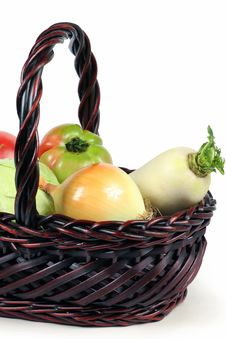 Free Basket With Vegetables Royalty Free Stock Photography - 14245667