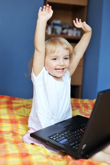 Free Little Girl With Laptop Royalty Free Stock Image - 14249106