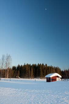 Free Small Wooden House In Winter. Stock Photo - 14250450