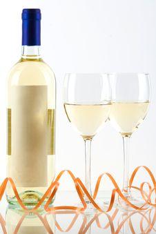 Free Bottle Of White Wine Royalty Free Stock Photo - 14250805