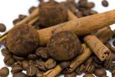 Free Coffee Beans, Truffles And Cinnamon Sticks Stock Photography - 14251282