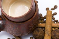 Coffee Cups And Coffee Beans Close-up Stock Images