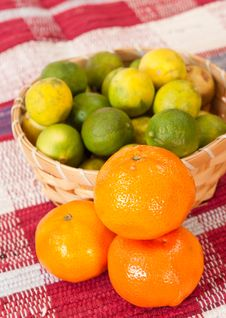 Free Fresh Citrus Royalty Free Stock Images - 14251509