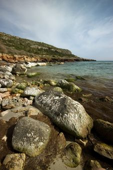 Free Rocky Coastline Royalty Free Stock Photos - 14251548