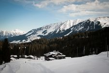 Free Alpine Hut Royalty Free Stock Photo - 14251935