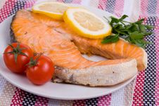 Free Grilled Salmon With Lemon Royalty Free Stock Photo - 14256095