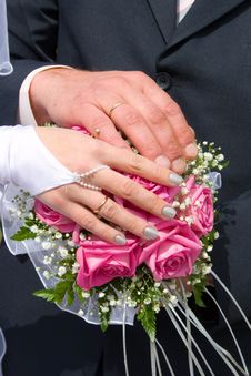 Free Hands Newlyweds Stock Photos - 14256163