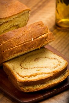Free Cinnamon Swirl Bread Stock Images - 14256224