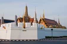 Free The Temple Of The Emerald Buddha Royalty Free Stock Image - 14256496
