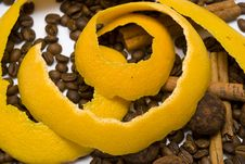 Free Yellow Peel In Coffee Beans Stock Photos - 14265803