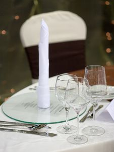 Free Elegant Dinner Table Royalty Free Stock Photo - 14266475