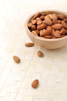 Bowl Of Almonds Royalty Free Stock Images