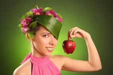 Free Red Apple Royalty Free Stock Photography - 14269377