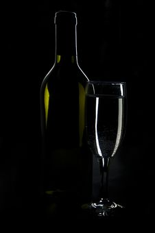 Free Wine Royalty Free Stock Images - 14270839