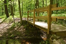 Free Walking Bridge Royalty Free Stock Photography - 14272827