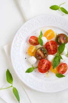 Free Caprese Salad Royalty Free Stock Photo - 14276215
