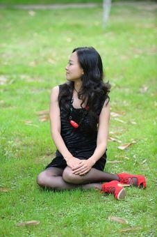 Free Asian Woman Sitting Stock Photos - 14279963