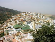 Free Moroccan Village On A Hill Royalty Free Stock Images - 14284189