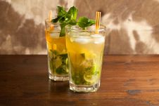 Free Mojito Cocktail Stock Photography - 14285542