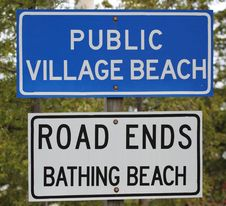 Free Public Village Bathing Beach Sign Royalty Free Stock Image - 14285716