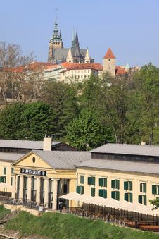 Free The View On Spring Prague S Gothic Castle Stock Photography - 14287152