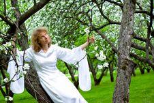 Free White Lady Royalty Free Stock Image - 14288086
