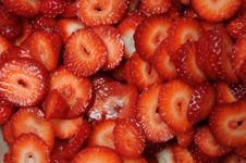 Free Sliced Strawberries Stock Images - 14288334